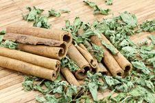 Free Cinnamon Sticks Stock Images - 17810254
