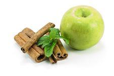 Free Cinnamon Sticks Royalty Free Stock Photo - 17810275