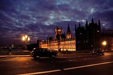 Free Westminster At Night Royalty Free Stock Photo - 17814545