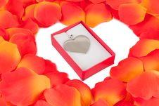 Free Rose Petal Heart Royalty Free Stock Photography - 17814727