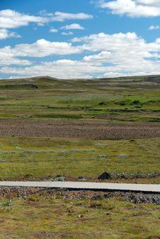 Free Icelandic Landscape Royalty Free Stock Image - 17817026