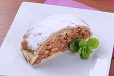 Free Apple Strudel Royalty Free Stock Photos - 17818348