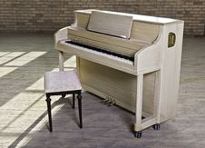 Free Dusty Piano In Warehouse Stock Photo - 17827570