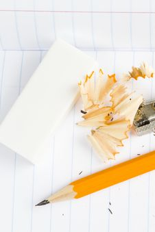 Free Sharpened Wooden Pencil, Sharpener And Eraser Royalty Free Stock Photos - 17829208