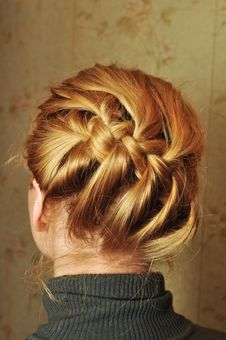 Free Woman Hairstyle Royalty Free Stock Image - 17832096