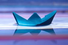 Free Blue Paper Boat Stock Image - 17836701