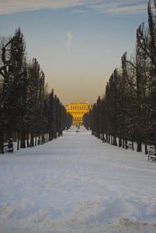 Free Schoenbrunn Park And Palace Stock Photography - 17839592