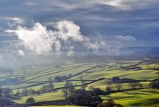 Free Misty Rolling Countryside Near Staveley Stock Photos - 17840043