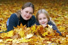 Free Mother And Daughter In The Autumn Park Royalty Free Stock Photo - 17844965