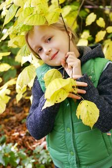 Free Girl In The Autumn Park Stock Photography - 17845152