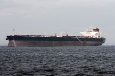 Free Oil Super Tanker Under Power Royalty Free Stock Photo - 17849425