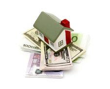 Free Model Of A House Lying Onmoney Royalty Free Stock Photo - 17850825