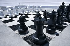 Free Outdoor Playing Chess Royalty Free Stock Photography - 17851927