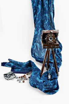 Free Old Wooden Camera And Scarf Stock Image - 17854401