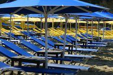 Free Empty Sunbeds Stock Image - 17855711
