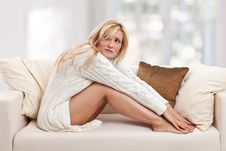 Free Blondie Woman On The Sofa Royalty Free Stock Image - 17858196