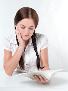 Free Girl Reading A Book Stock Photography - 17858362