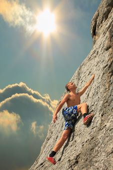 Free Climber On Sunset On The Rock Royalty Free Stock Images - 17858479