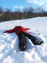 Free The Boy Lay On The Snow Royalty Free Stock Images - 17866839