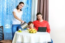 Free Family At Home Royalty Free Stock Photos - 17860158