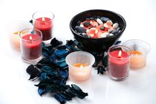 Free Candles And Potpourri Royalty Free Stock Images - 17861019