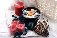 Free Spa Candles And Potpourri Royalty Free Stock Images - 17861619