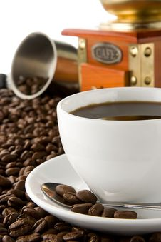 Free Cup Of Of Coffee And Beans On Isolated White Royalty Free Stock Image - 17861976
