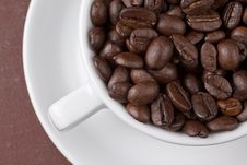 Free Cup With Coffee Grains Stock Photography - 17866702