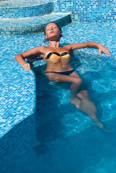 Free Young Woman At A Pool Stock Photos - 17870233