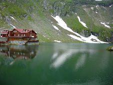 Free Glacier Lake Royalty Free Stock Photos - 17871148