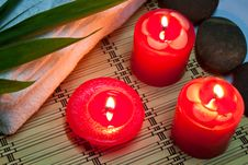 Free Candle In The Spa Royalty Free Stock Images - 17871379