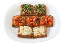 Free Toasts With Tomato, Beans And Codfish Royalty Free Stock Photo - 17873055