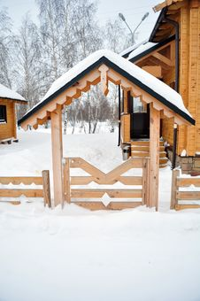Free Home Entrance With A Wooden Fence, Cabin Log Stock Photography - 17873382