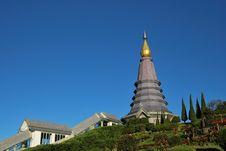 Free Pagoda With The Blue Sky Royalty Free Stock Photos - 17874548