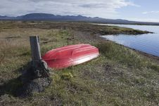 Free Rowboat At Thingvellir Lake In Iceland Royalty Free Stock Image - 17875676