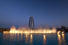 Free Dubai Fountain Royalty Free Stock Image - 17877356