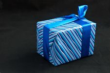 Free Blue Paper Gift Box Royalty Free Stock Images - 17877489