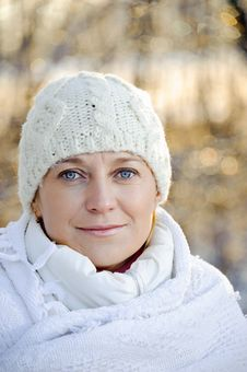 Free Portrait Of Woman In A Winter Background Stock Photo - 17878820