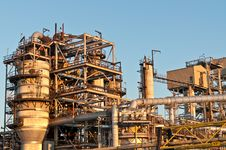 Free Petrochemical Refinery In The Evening Royalty Free Stock Image - 17884496