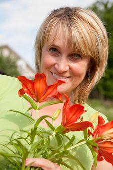 Free Woman With A Bouquet Stock Photos - 17886373