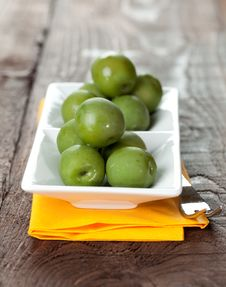 Free Fresh Green Olives On Bowl Stock Photos - 17886403