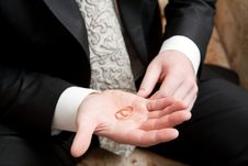 Wedding Rings In The Hand Royalty Free Stock Images