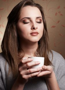 Free Young Woman With Cup Of Coffee Royalty Free Stock Images - 17889909