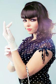 Free Pretty Elegant Brunette Stock Photography - 17892522