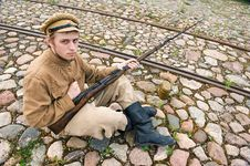 Free Soldier With Boiler And Gun In Retro Style Picture Royalty Free Stock Photography - 17893467