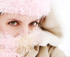 Free Cold Young Woman Bundled Up Royalty Free Stock Images - 17901199