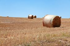 Free Straw Stack In Field Royalty Free Stock Photos - 17901508
