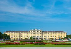 Free Schoenbrunn Palace In Vienna Stock Image - 17903331