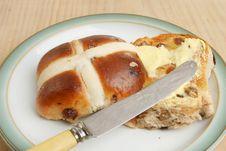 Free Buttered Hot Cross Bun Stock Photography - 17903852