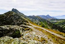 Free Mountain Landscape Royalty Free Stock Images - 17904209
